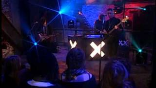 The xx - Basic Space (Live on Alexa Chung)