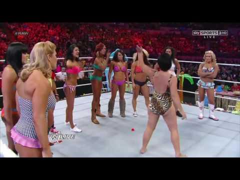 AJ Lee Wrestling Bloopers (видео)