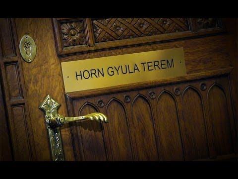 Horn Gyula termet a Magyar Parlamentbe is!