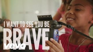 Gambar cover Sara Bareilles - Brave (Lyric Video)