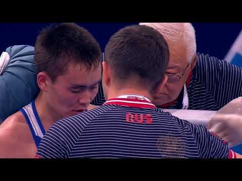 Василий Егоров вышел в четвертьфинал чемпионата мира по боксу