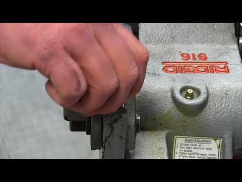 How to adjust the RIDGID 916 for different size pipes