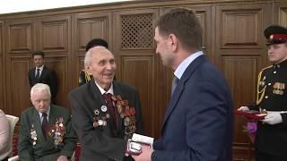 Вручение ветеранам юбилейной медали