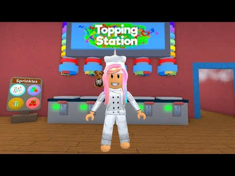 ROBLOX Decorating My New House and Becoming a Master Chef Baker