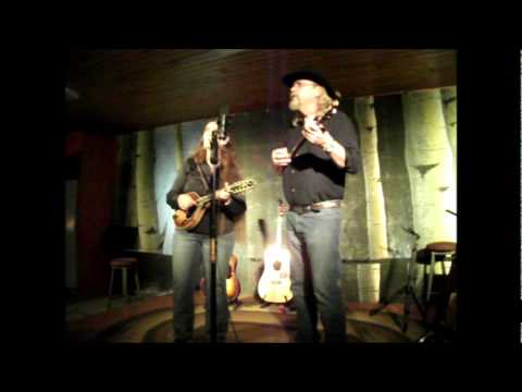Blu & Kelly Hopkins, Stinkbug and Battle of New Orleans medley, Sunnybrae Coffee House