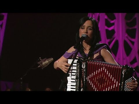 Julieta Venegas - Me Voy (MTV Unplugged)