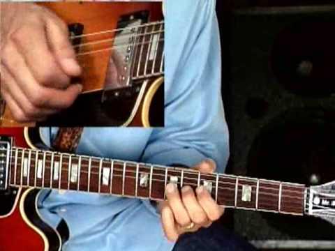 Blues Guitar Lesson - Larry Carlton - 335 Blues - Melodic Minor Blues