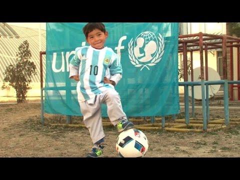 Messi schickt jungem Fan signiertes Trikot