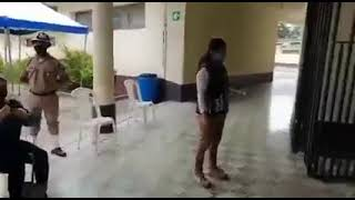Masiva afluencia a puesto de vacunación en la Federal en Mixco