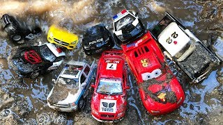 Police Car and Lightning Mcqueen Aquapark Stuck in the Mud & Fixing Cars Toys
