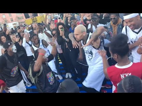 Chris Brown dance-off with Snoop Dogg at NBA All Star Weekend (видео)