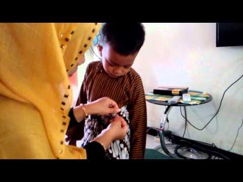 Video Cara Memakai Pakaian Adat Jawa