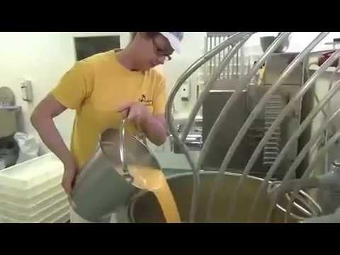 Kleine Nudelfabrik: In Heinebach werden aus Bio-Eiern und Grieß Nudeln und Spaghetti