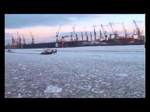 Winter im Hafen Hamburg 2012