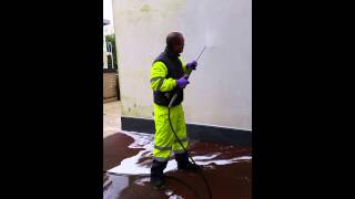 preview picture of video 'Render Cleaning, Poole, Dorset by purple-rhino.co.uk 0800 1577484'