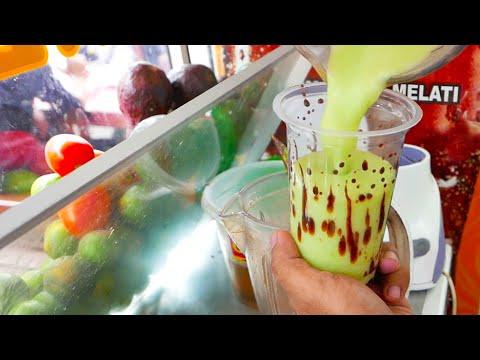 Video Indonesian Street Food - Avocado Chocolate Milkshake / Es Alpukat