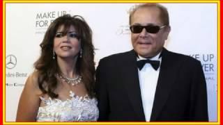 بالفيديو|| شاهد.. قصة زواج محمود عبد العزيز من بوسي شلبي هل خطفته من زوجته الأولى؟ تحميل MP3