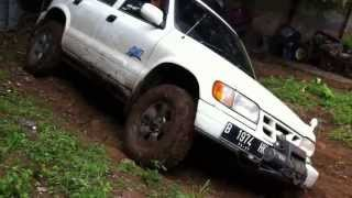 preview picture of video 'Kia sportage test drive offrod 4x4 4wd bandung redland indonesia 4fadworks 130602'