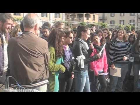 Gli studenti di Varese contro la violenza