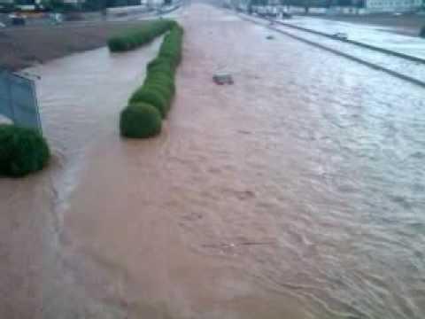 أمطار وسيول وغرق جدة في يوم التروية 1430