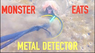 Metal Detecting Under *FLOATING STRUCTURE* Found Jewelry iPhone (Sea Monster)