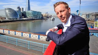 video: Watch: Laurence Fox unveils campaign bus for London Mayor elections