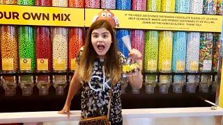 Самый большой магазин m&m's в мире!😱 конфеты m&m's на развес Канцелярия m&m's Чехлы m&m Shopping