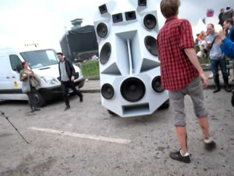 The Sound Tank Is Built To Wage War On Your Eardrums