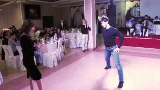 Это Кавказ..А танцуют они просто КЛАСС)))!!!!