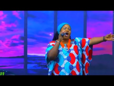 SIS. CHINYERE UDOMA - PERFORMS BEST & LATEST SONGS ON STAGE - Nigerian Gospel Music
