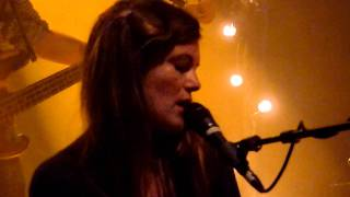 HD - Angus & Julia Stone - Hold On (live) 2011