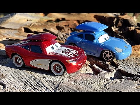 Disney Pixar Cars Cruisin Lightning McQueen And Sally Carrera Limited Edition Cars Toy Unboxing