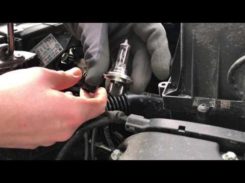 PKW Scheinwerfer tauschen Leuchtmittel wechseln KFZ H7 Sockel Birne ersetzen Opel Corsa E Anleitung