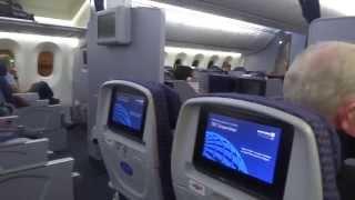 Inside United Airlines Boeing 787-8 Dreamliner
