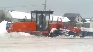 Грейдер застрял в снегу  .Вторая часть.