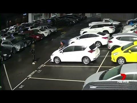 В Австралии два подростка разбили 37 автомобилей