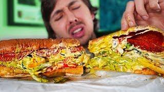 Aujourd'hui je commande un sandwich Subway avec toutes les garnitures et toutes les sauces! Le résultat n'est pas comme je l'imaginais...  ► TWITTER : https://twitter.com/LeGurky  ► INSTAGRAM : https://www.instagram.com/legurky  ► TWITCH : http://www.twitch.tv/gurkylive                Toujours ici? ┴┬┴┤( ͡° ͜ʖ├┬┴┬┴