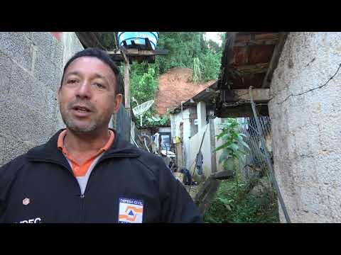 Defesa Civil de Juquitiba fala sobre o Deslizamento de terra afeta casa na estrada da Jacuba .