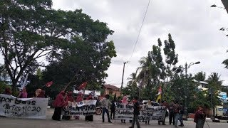 Unjuk Rasa Mahasiswa di Depan Kantor DPRD Barru