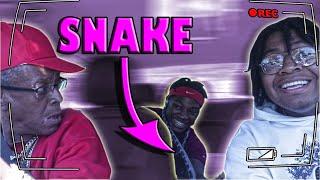 Snake Prank (SUPER HILARIOUS) (MUST WATCH)