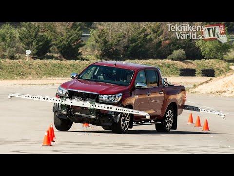 Toyota Hilux đã khắc phục được tình trạng 'suýt lật' so với thử nghiệm năm 2016