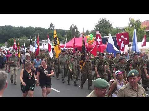 Intocht Nijmeegse vierdaagse 2019 Zwitserse militairen + Zwitserse Garde Vaticaan