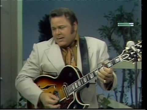 One of the greatest entertainers of all time died yesterday. Roy Clark, you will be missed.