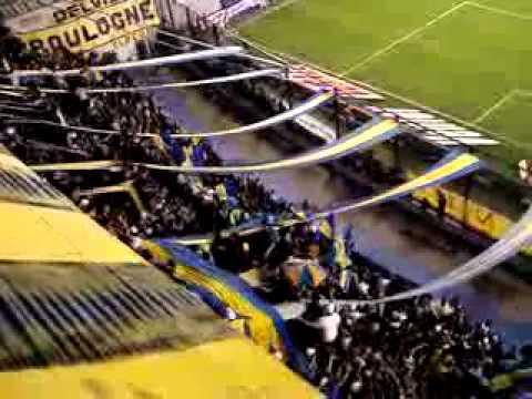 """Son los putos de river."" Barra: La 12 • Club: Boca Juniors • País: Argentina"
