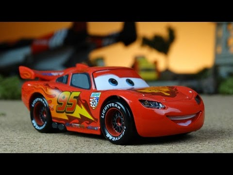 Disney CARS Toys Movies - Lightning McQueen Is Back!