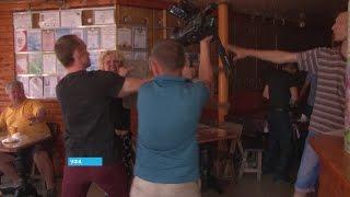 В Уфе женщина покусала и избила оператора во время съемок репортажа