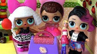 Живые куклы лол сюрприз поссорились из-за игры. Мультик истории игрушек LOL dolls и детский сад