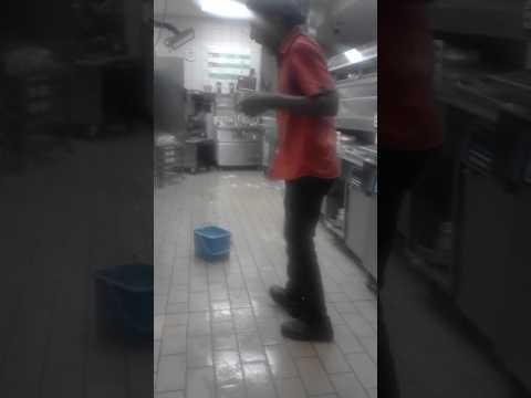 Download Killer dance moves :waphel umcimbi HD Mp4 3GP Video and MP3