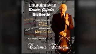 Özdemir Erdoğan - Kumsalda