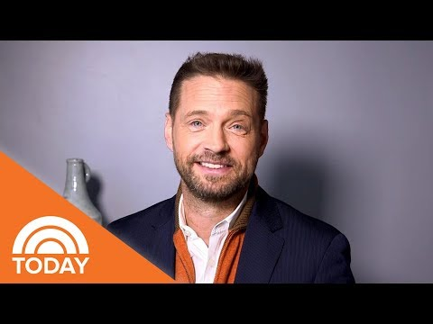 Jason Priestley Looks Back On 'Beverly Hills, 90210' And His 90s Stlye | TODAY